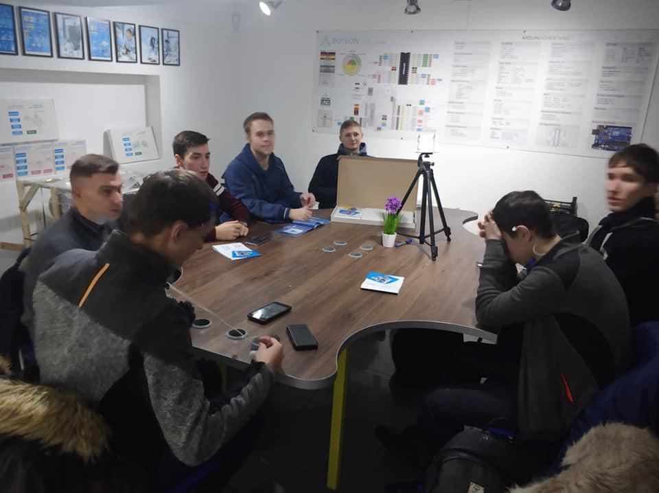 """Студенти  відвідали Центр сучасної STEM освіти """"Boteon"""""""